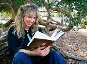 Author-photos-reading